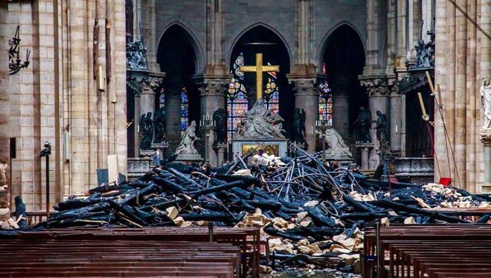 """Trump habló con el Papa y le expresó su """"cercanía"""" por la tragedia de Notre Dame"""