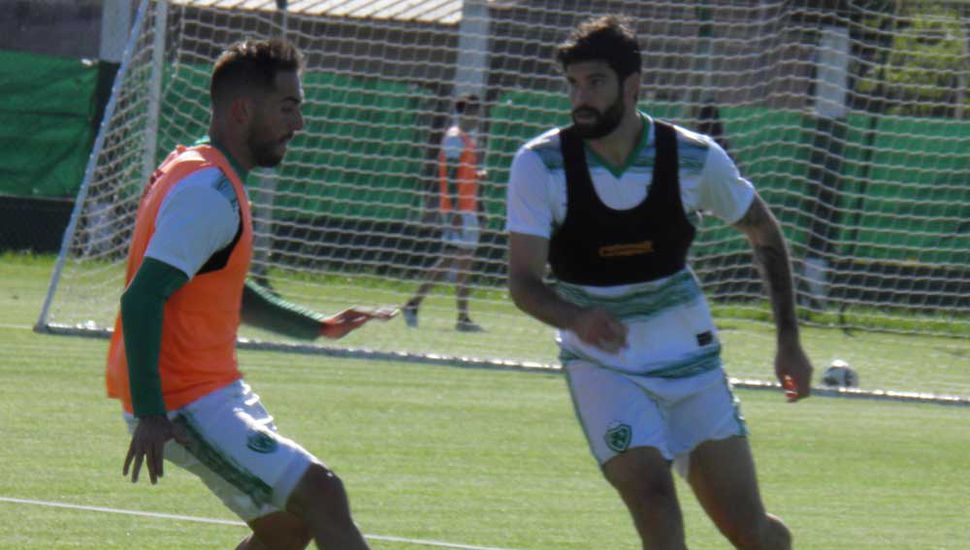 Sarmiento entrena y tiene la mira en Platense