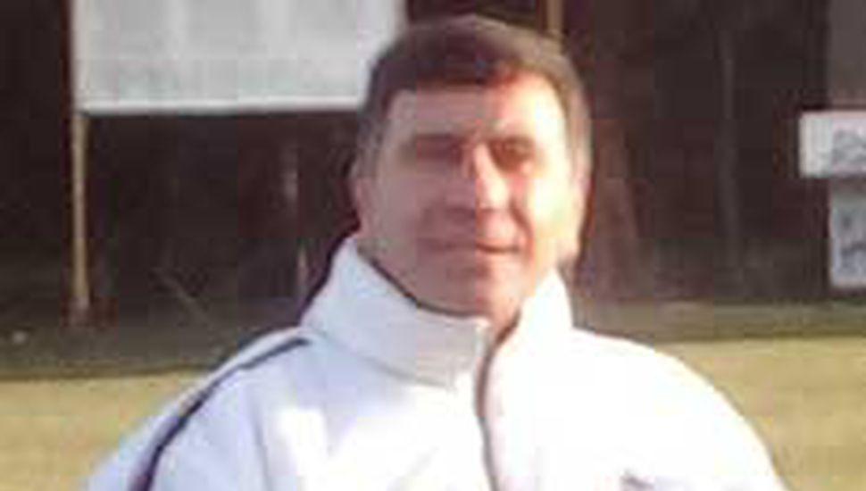 """Jorge Alberto Carvallo, instructor de boxeo en el """"Beto Mesa""""."""