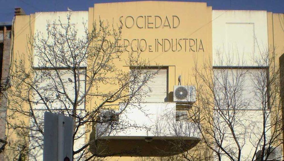 Frente de la Sociedad Comercio e Industria.