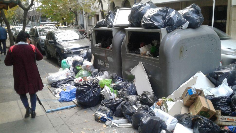 Más de 40 intendentes a juicio por el dinero para residuos