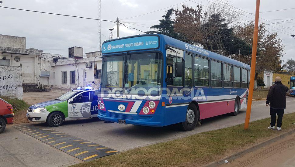 Un hombre golpeó y le robó a un chofer del Transporte Urbano de Junín