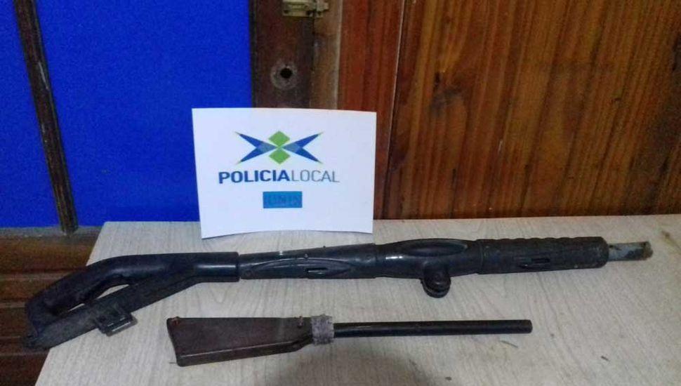 La escopeta tumbera y el arma de juguete quedaron incautadas.