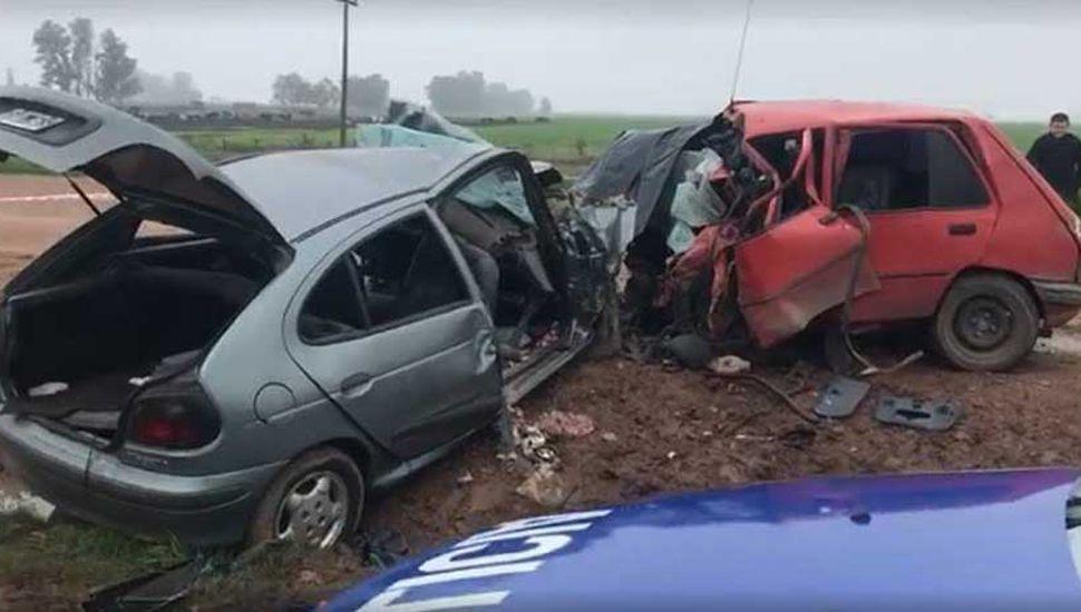 Los vehículos quedaron destrozados.