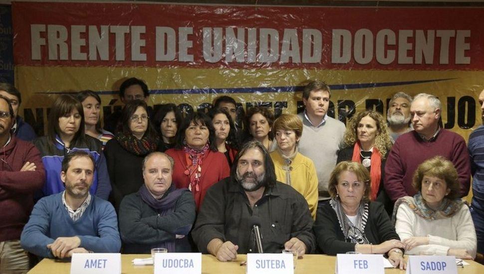 """Los docentes reclaman  actualización """"mensual"""""""