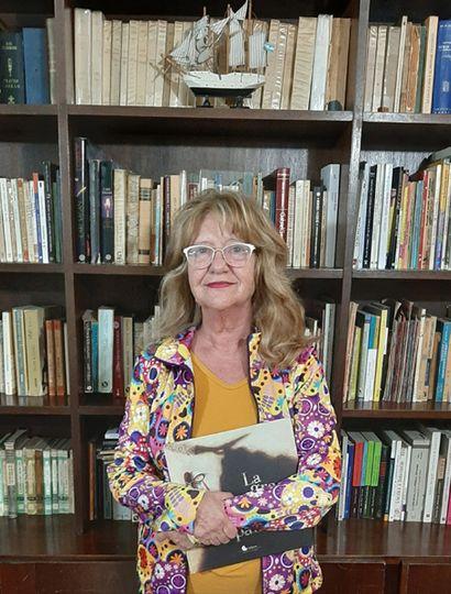 La profesora Mariel Leonardelli es la creadora del grupo de narración social Las Cuenteras de la Esquina.
