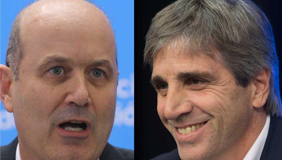 Federico Sturzenegger (izquierda), dejó la presidencia del Banco Central y lo reemplaza  Luis Caputo.