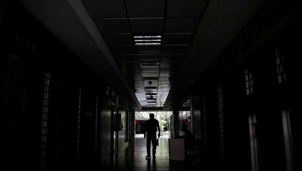 Otro apagón deja sin actividad  a 14 estados de Venezuela