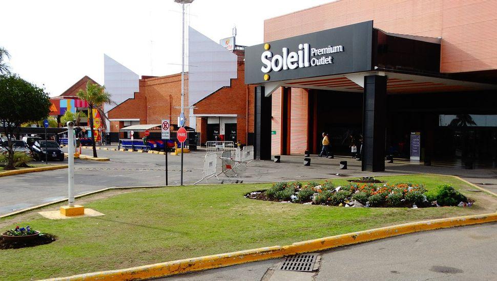 Sebastián Domínguez quedó tetrapléjico tres ser asaltado y baleado en el shopping Soleil.