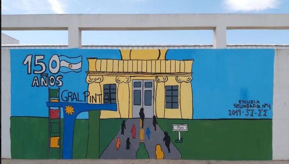 Alumnos de la E.E.S N° 4 realizaron un mural alusivo al sesquicentenario