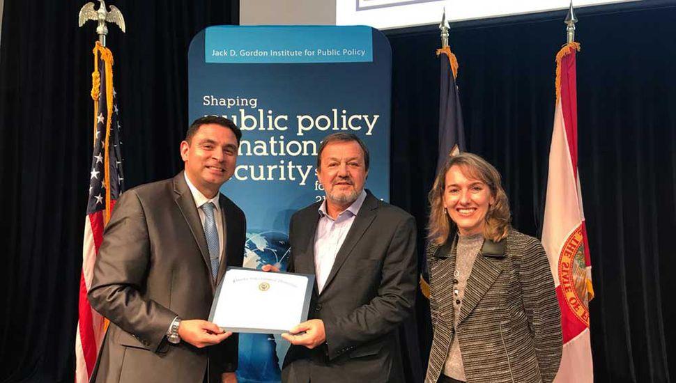 El senador bonaerense Roberto Costa fue reconocido por el Gordon Institute.