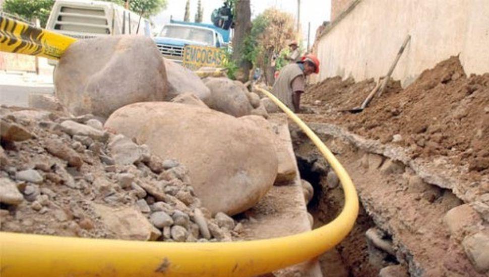 Extienden la red de gas en el barrio María Teresa de Los Toldos