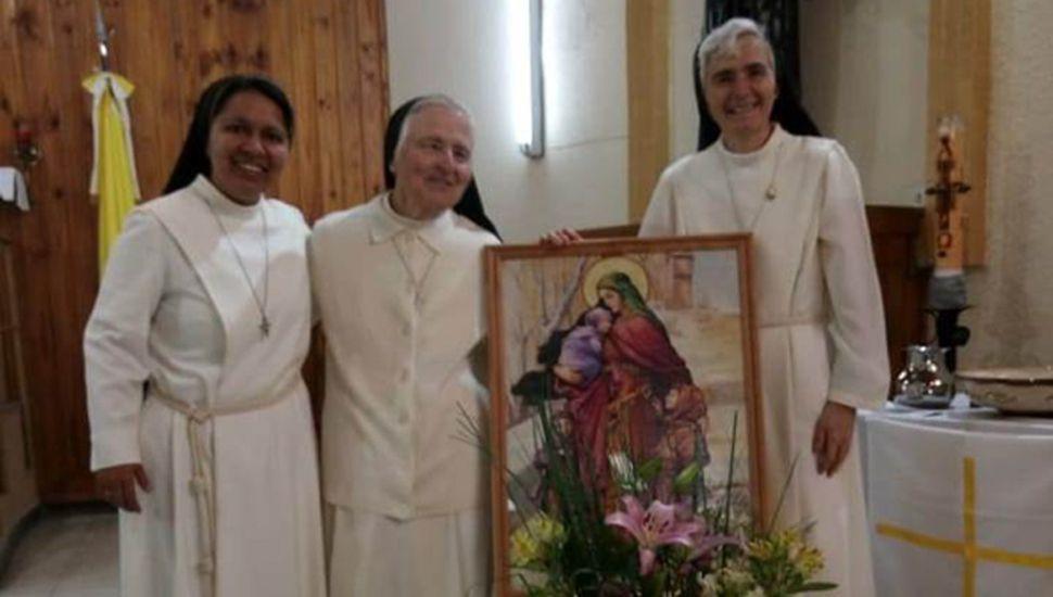 Elizabeth, Teresa y Francesca, en Cristo Redentor.
