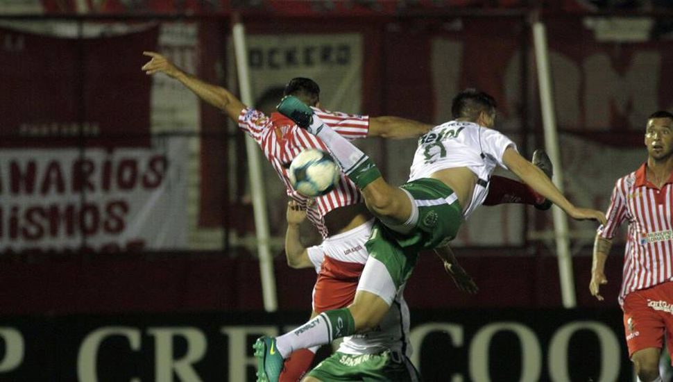 Sarmiento empata sin goles