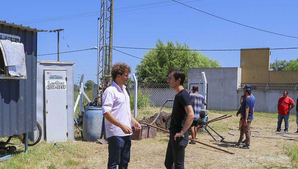 Guido Covini y el intendente Petrecca.