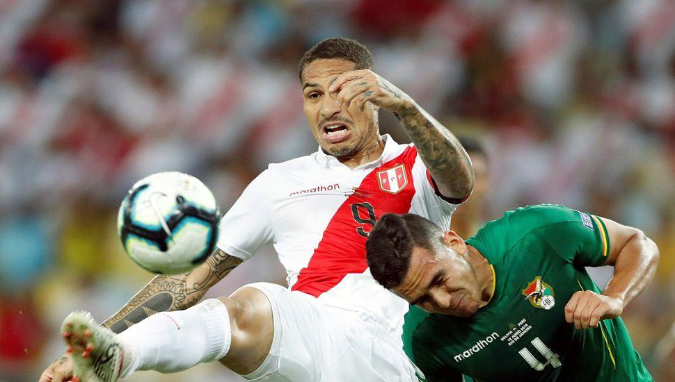 Paolo Guerrero, el delantero peruano tuvo un gran partido.
