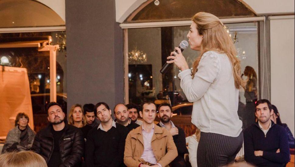 Aiola, Flexas y Petrecca acompañaron a Quintana en la presentación de propuestas.