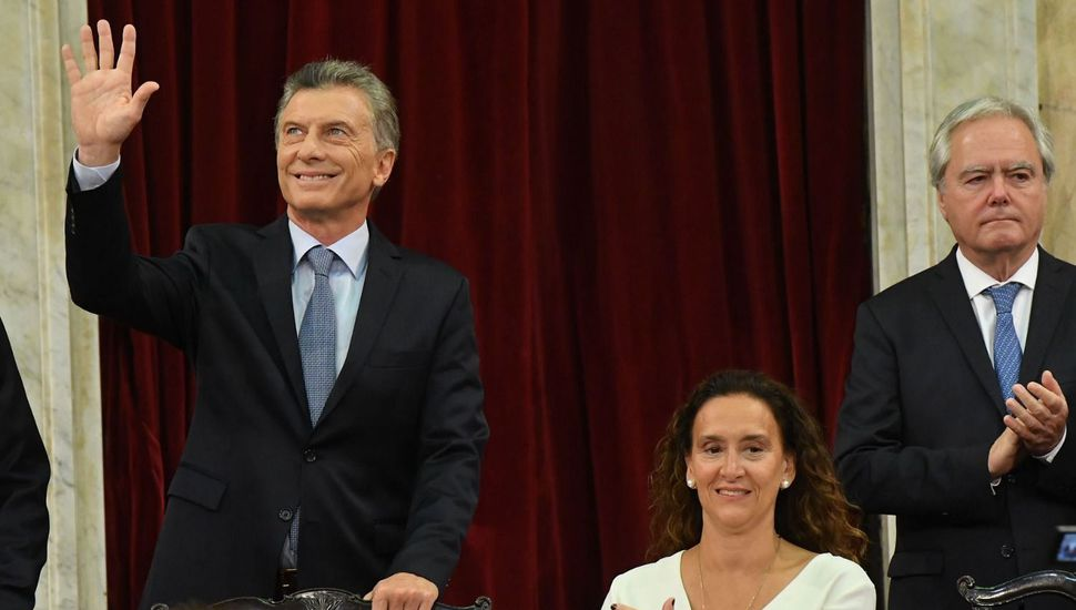 """Macri dijo que la Argentina """"está mejor parada que en 2015"""" y anunció una suba del 46% en la AUH"""