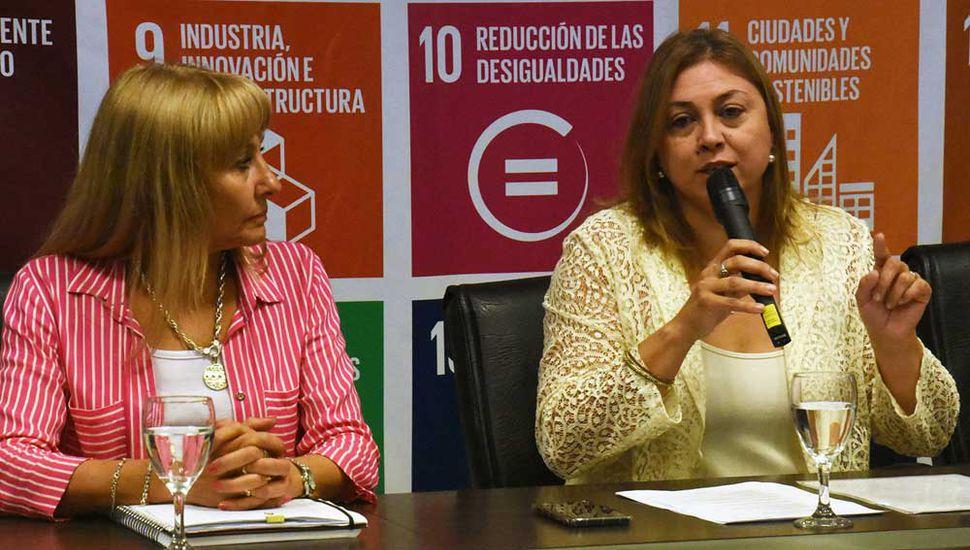 Marisa Serenal, secretaria de Cultura y Educación.