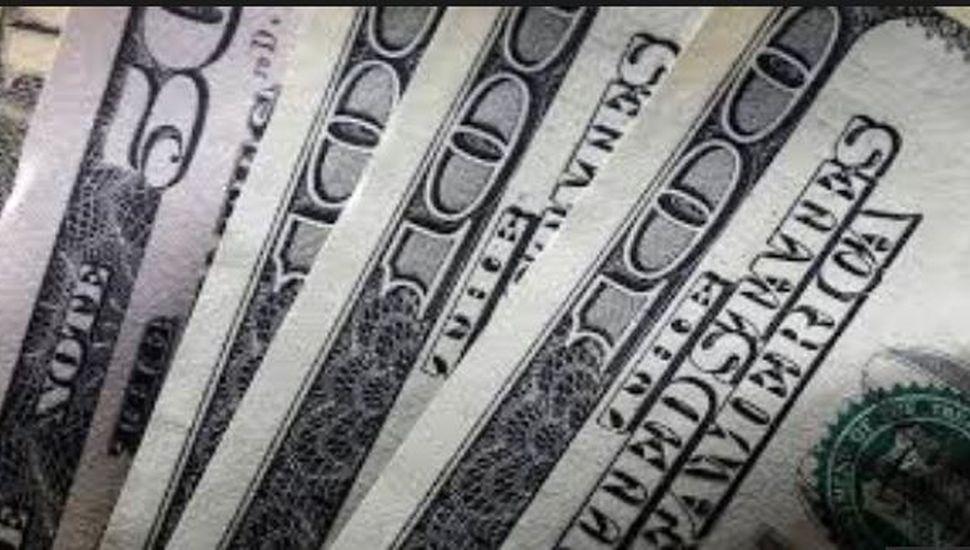 El dólar supera los $46: presión externa y efecto PASO