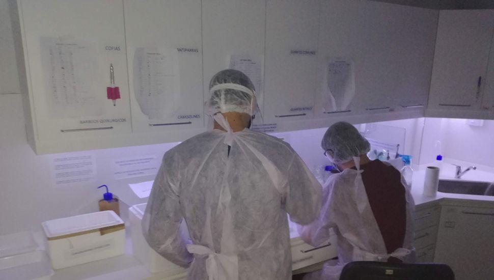 En el CIBA hay dos laboratorios, en uno se hace la extracción y en otro se realiza la PCR (sigla en inglés que se traduce como reacción en cadena de la polimerasa).
