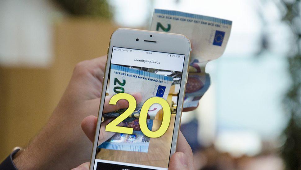 Cash Reader, una app que lee billetes en voz alta para personas ciegas