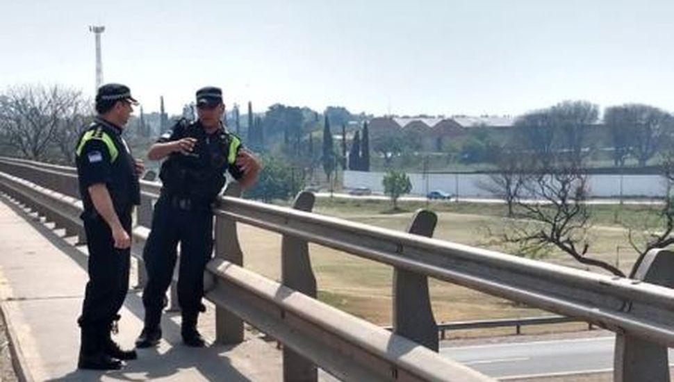 Horror en Tucumán: una niña estuvo a punto de ser arrojada desde un puente por su madre