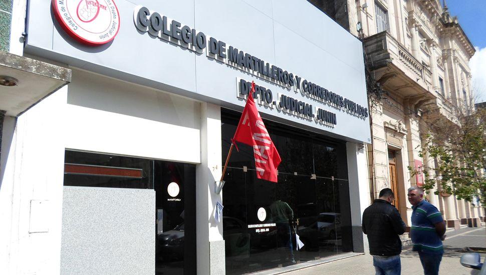 Frente del Colegio de Martilleros de Junín.
