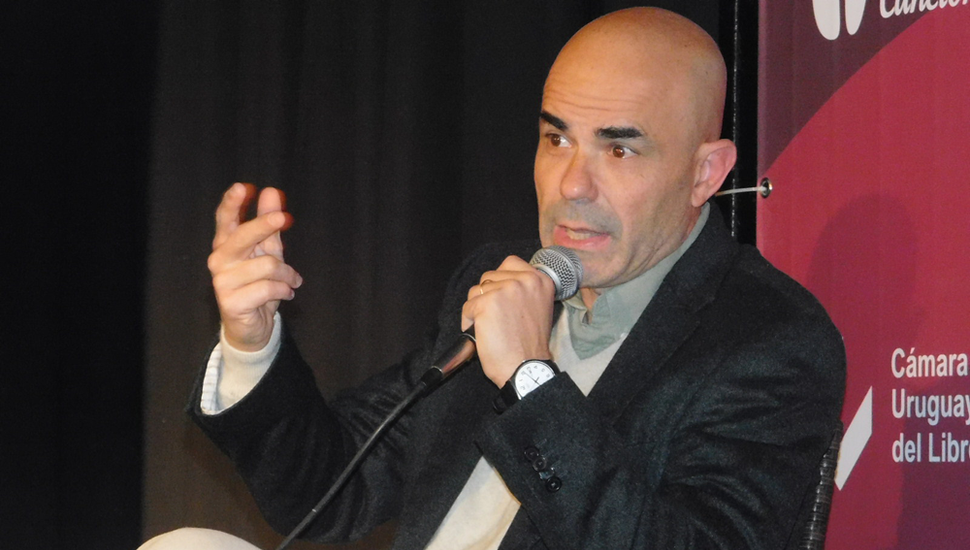 Eduardo Sacheri, hoy en Junín.