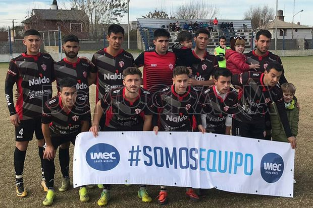 Los campeones. Primera división de Rivadavia de Lincoln.