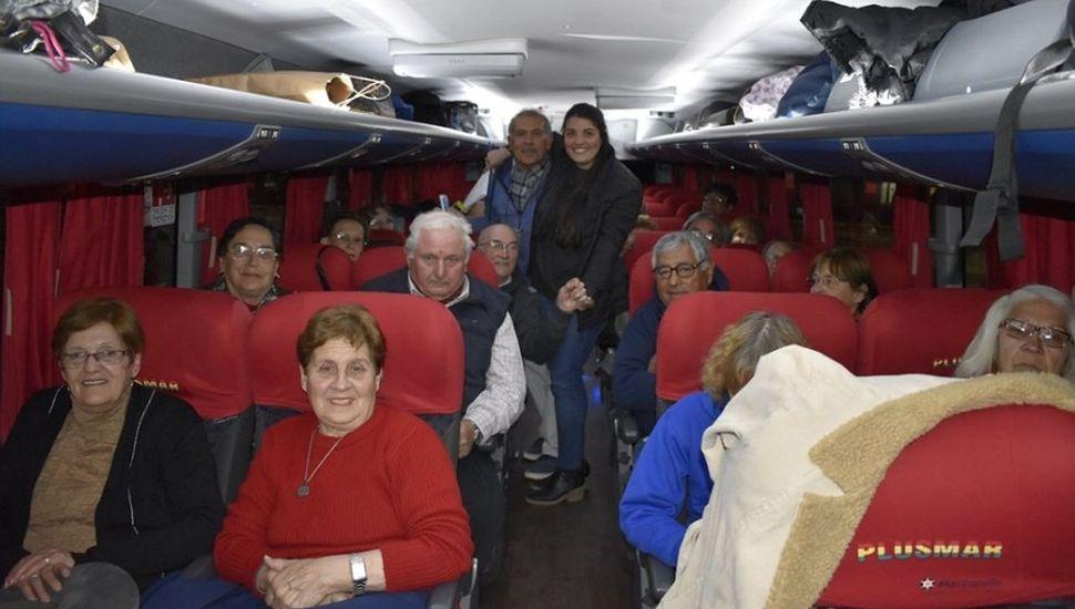 Jubilados y pensionados partieron rumbo a Mar del Plata