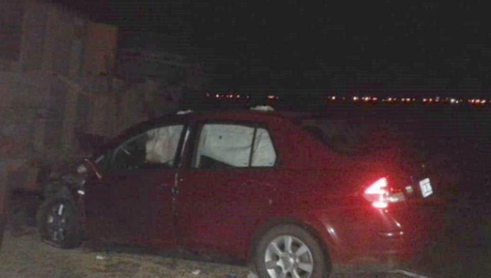 Falleció el conductor de un automóvil que colisionó contra un acoplado volcado
