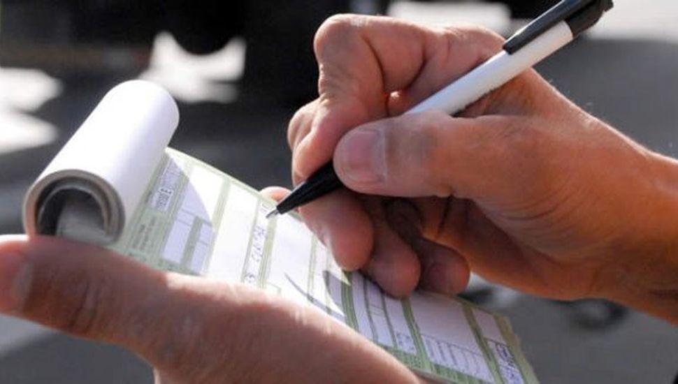 Tránsito: en la ciudad ya se pagan multas con tareas comunitarias