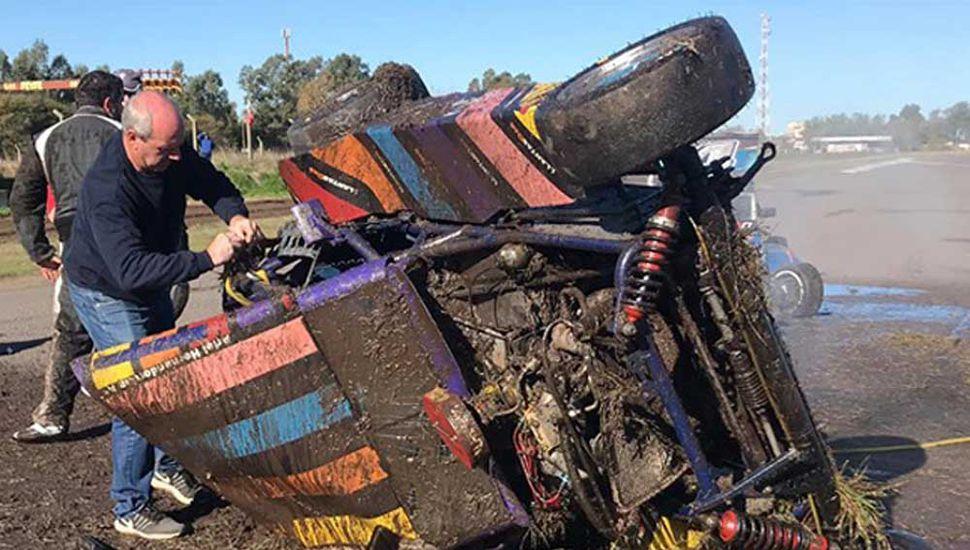 Destrozado quedó el auto de Manuel Regueiro tras el tremendo accidente en la Clase 3.