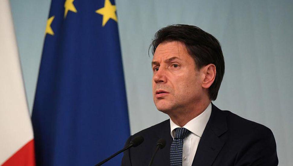Renunció Conte y culpó a Salvini por la crisis política