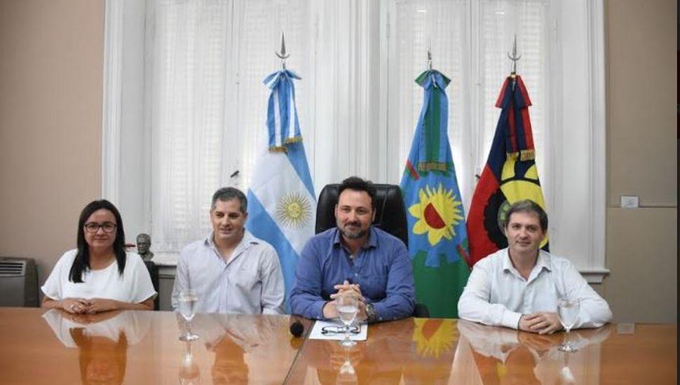 El Intendente Municipal de Chacabuco anunció el pago de sueldos y aguinaldos