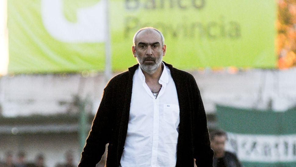 Iván Delfino renovó su contrato con el Verde.