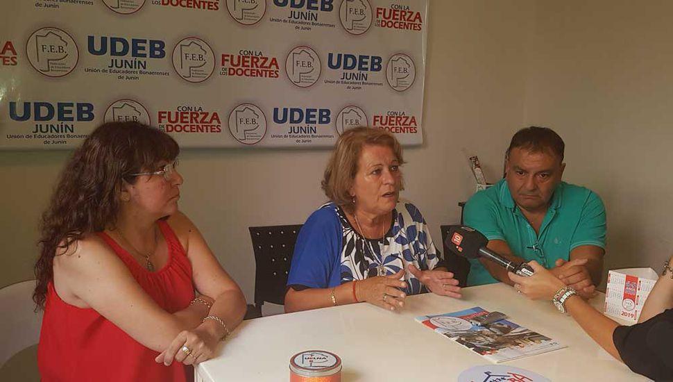 Mirta Petrocini visitó ayer Junín.
