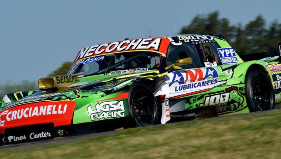 Juan Bautista De Benedictis dominó ayer con el Ford Falcon los dos ensayos del Turismo Carretera, en Paraná.