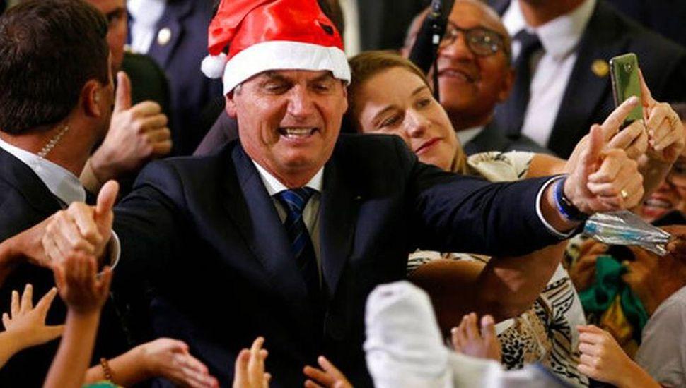 Bolsonaro firma proyecto de ley para combatir la violencia