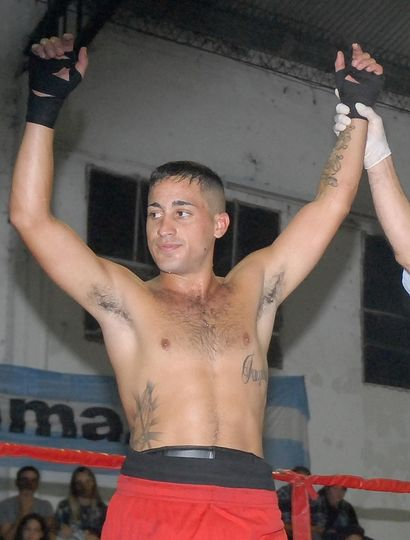Maximiliano Castex fue ganador de la pelea que protagonizó en Daireaux.