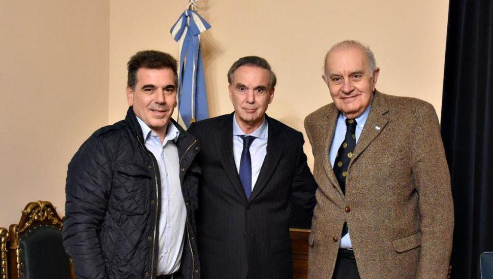 Ritondo, Pichetto y Aseff, tras cerrar ayer el acuerdo en el despacho del candidato a vicepresidente.