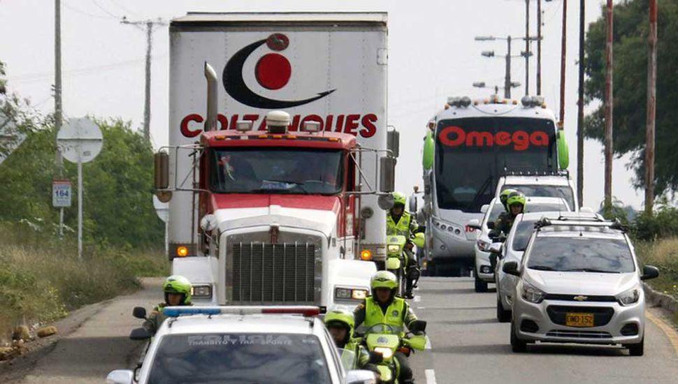 Alimentos y medicinas varados  en la frontera