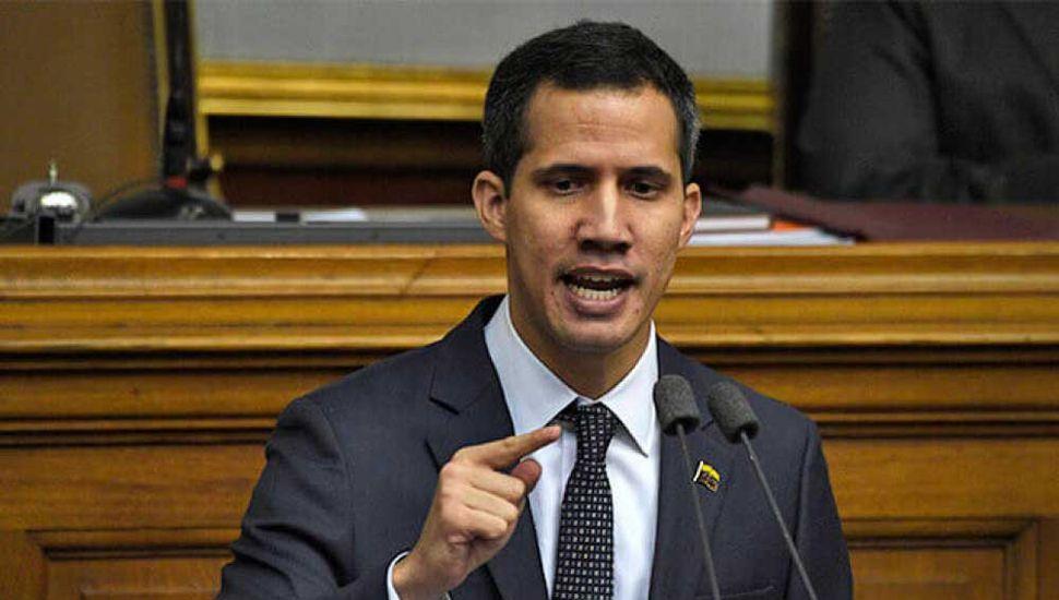 Inhabilitan a Guaidó para ejercer cargos públicos