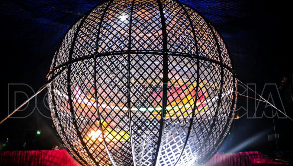 El Globo de la muerte, una de las atracciones circenses.