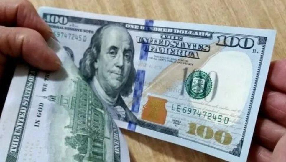 Apenas abrió el mercado el dólar llegó a $62, pero luego retrocedió y cerró a $60