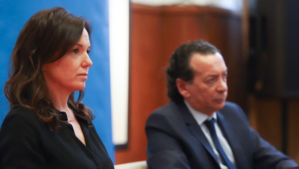 Carolina Stanley junto a Dante Sica durante la conferencia de prensa de ayer.