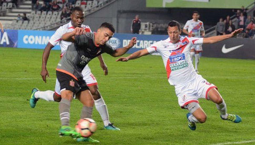 Estudiantes avanzó a los octavos de final y jugará frente a Nacional de Paraguay