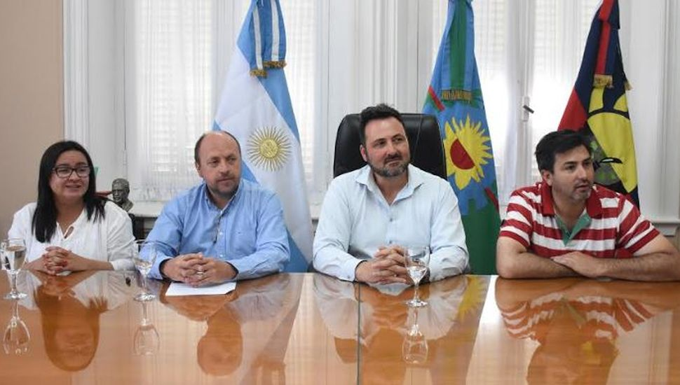 Aiola anunció medidas económicas por la declaración de emergencia económica del Municipio