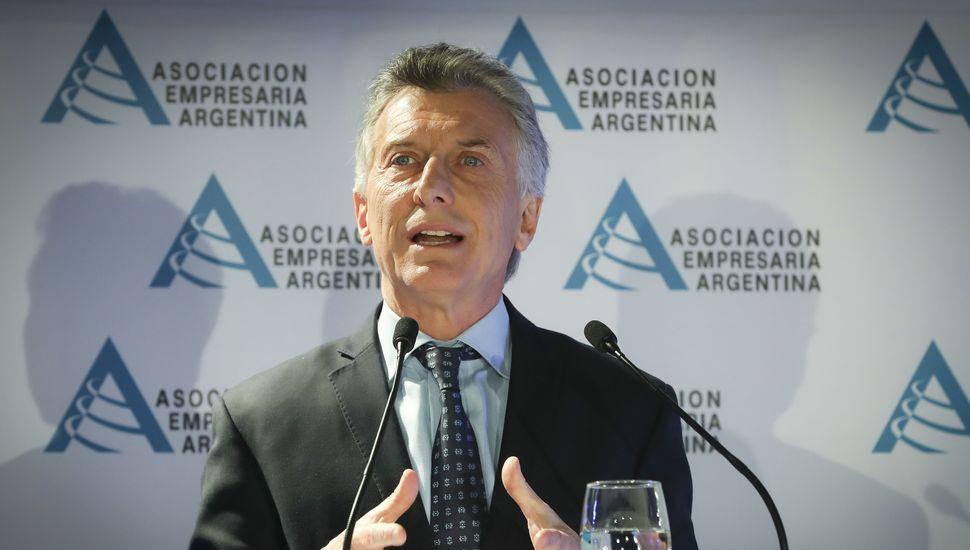 """Macri, ante empresarios, aseguró que """"estas medidas sólo se justifican en la emergencia"""""""